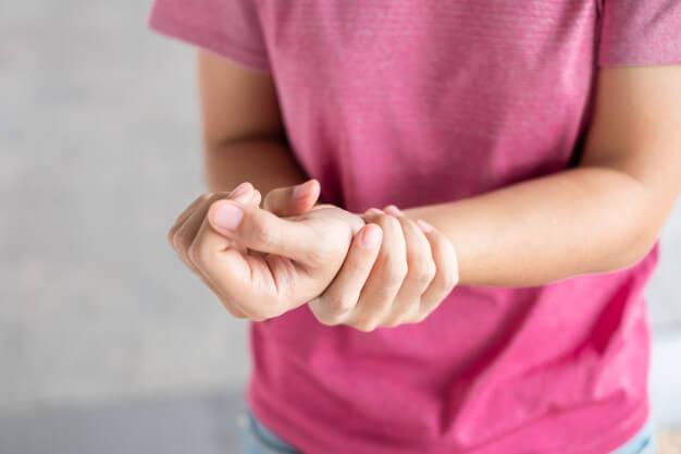 Tendinite na mão segundo a Medicina Germânica Heilkunde
